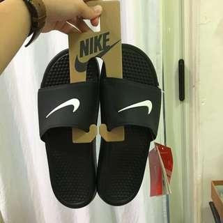 Nike 新款拖鞋