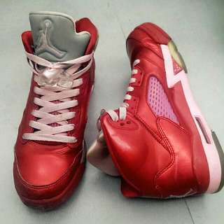 Jordan 情人節款鞋