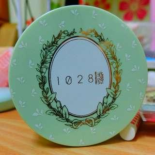 含運 1028 玻尿酸雙采保濕粉餅 淺陶色 #出清 限量粉餅盒 粉綠色