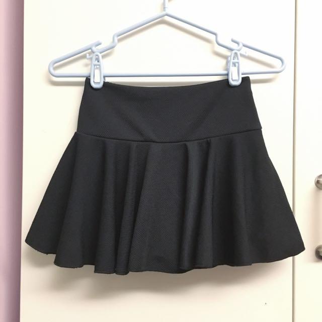 傘擺鬆緊黑短裙褲裙(內有安全褲)