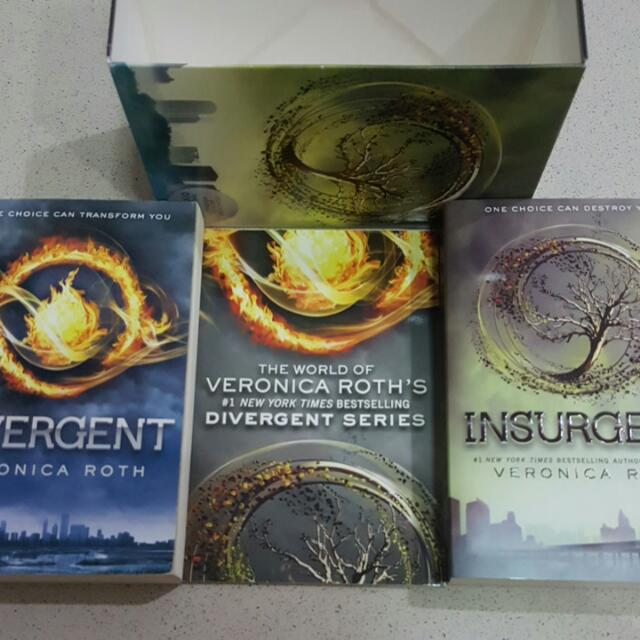 Divergent Series Box Set (Impor) By Veronica Roth. Book 1&2