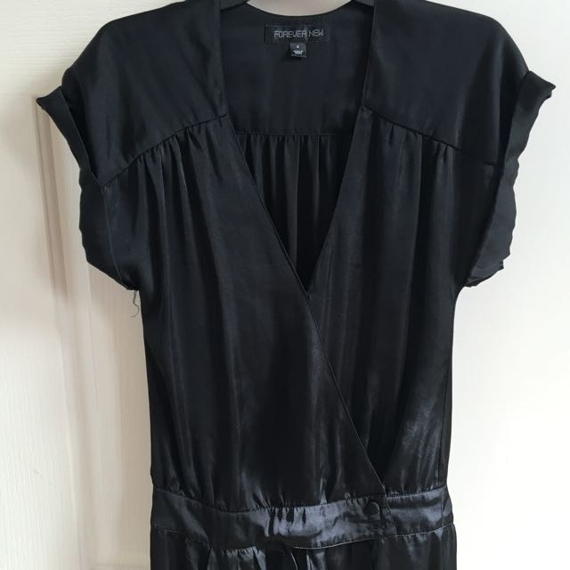 Forever New Blk Jumpsuit Size 6 Would Fit An 8
