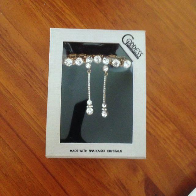 Gorgeous Bracelet And Earring Set