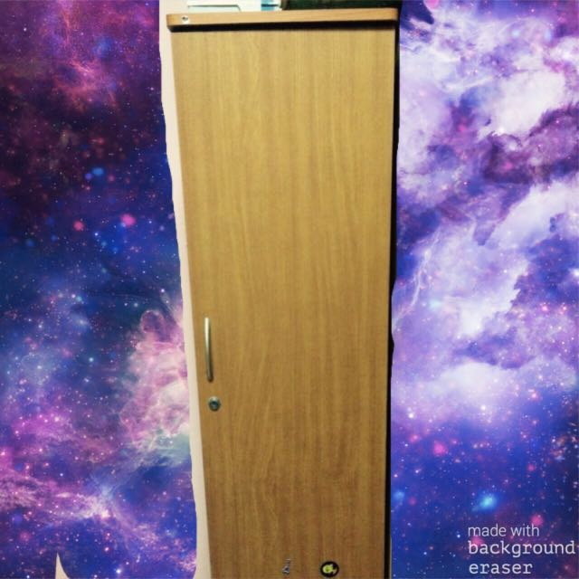 Single Door Wardrobe