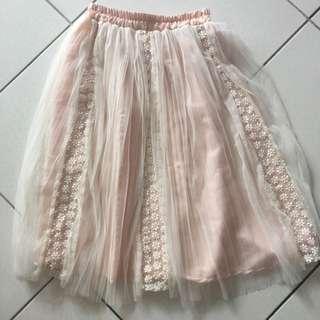 粉紅色蕾絲紗裙