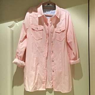 淡粉色素襯衫