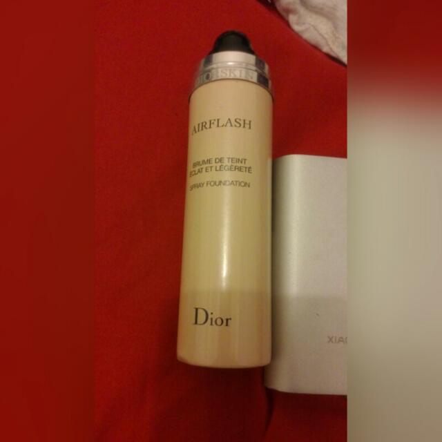 降!Dior粉底噴霧