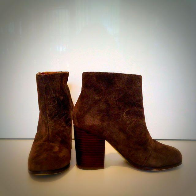 Khaki Green Heeled Boots