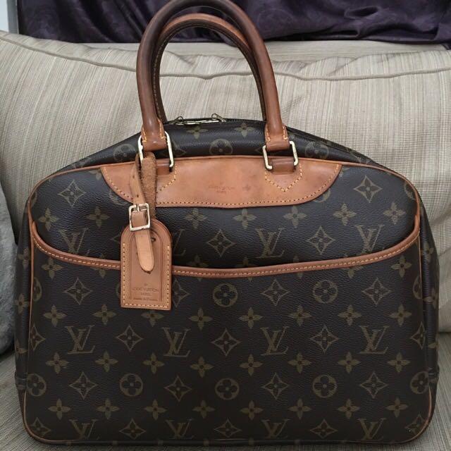 LV Deauville Monogram Authentic Bag