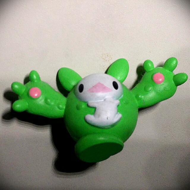 Pokemon Reniculus Figurine