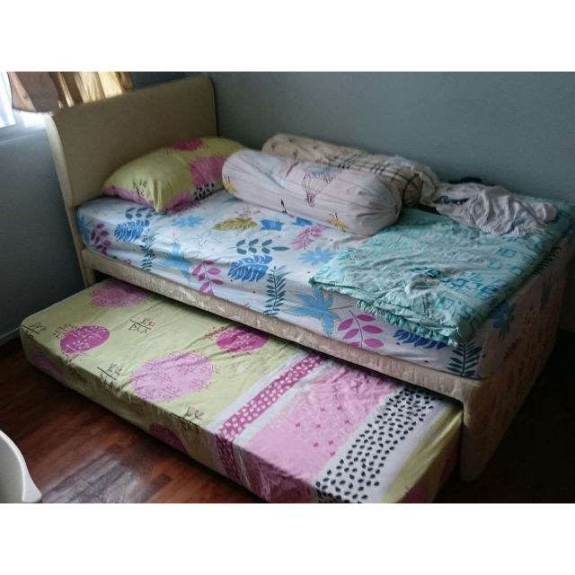 Single Bed with Pull-out Trundle Bed in Good Condition