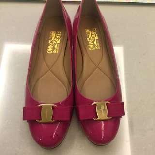 Ferrangmo Shoes In Patent Pink