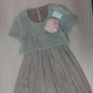 藕粉色假兩件拼結紗裙洋裝