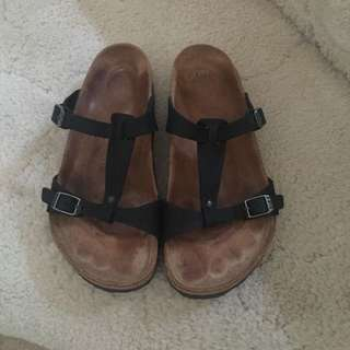 Birkenstock Larisa Leather Black size 40