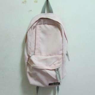 粉色後背包