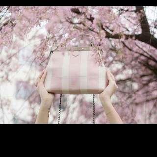 100%法國製 設計師款正品Tammy&Benjamin真皮粉白條紋斜背手提包