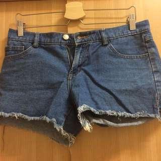 牛仔短褲 38~40