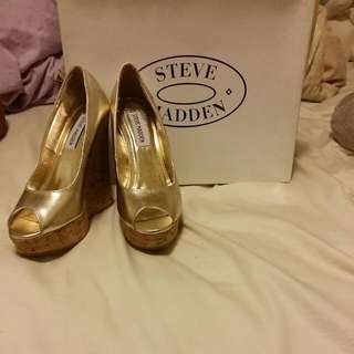 Steve Madden Gold Metallic Heels