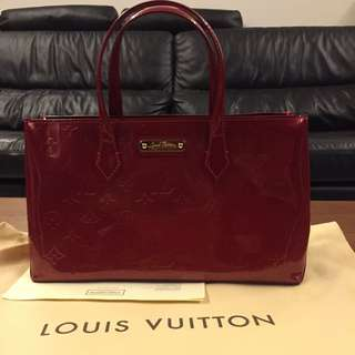 LV Red Wilshire