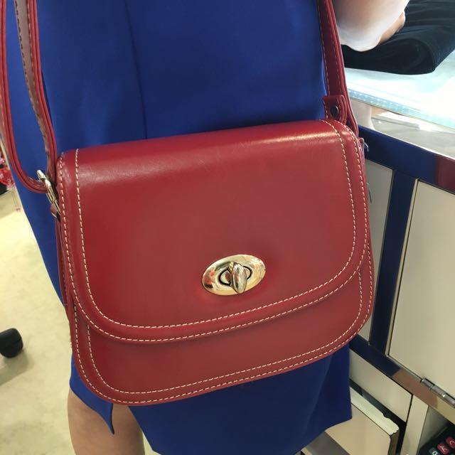 紅色小背包