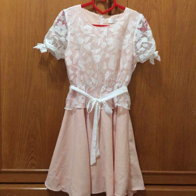 正韓蕾絲粉洋裝