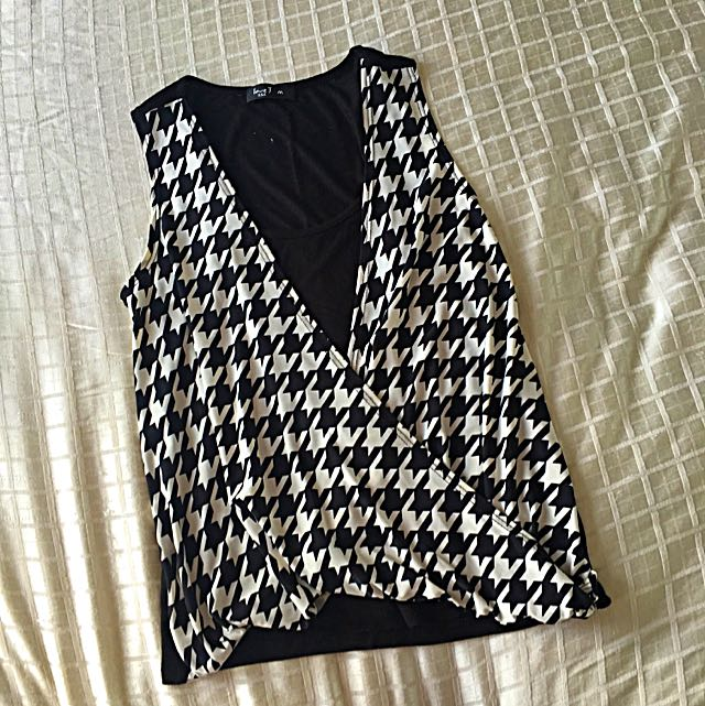Black And White Patterned Top, Size M
