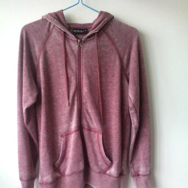 db50a697ea COTTON ON FADED RED HOODIE, Women's Fashion on Carousell