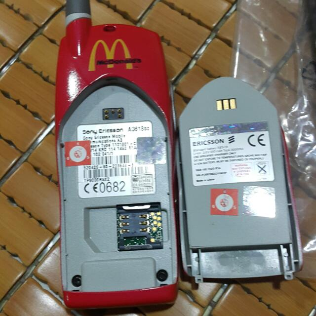 可口可樂與麥當勞聯名,合作限量版 ERICDSON A3618 全新2G 手機,可收藏,可使用