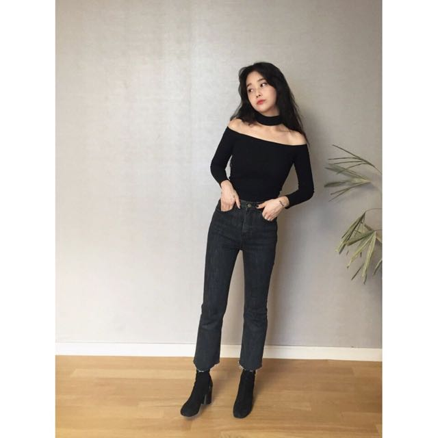 4802c50df7fe3 INSTOCK Trendy Ulzzang Choker BLACK Off Shoulder Long Sleeve Top ...