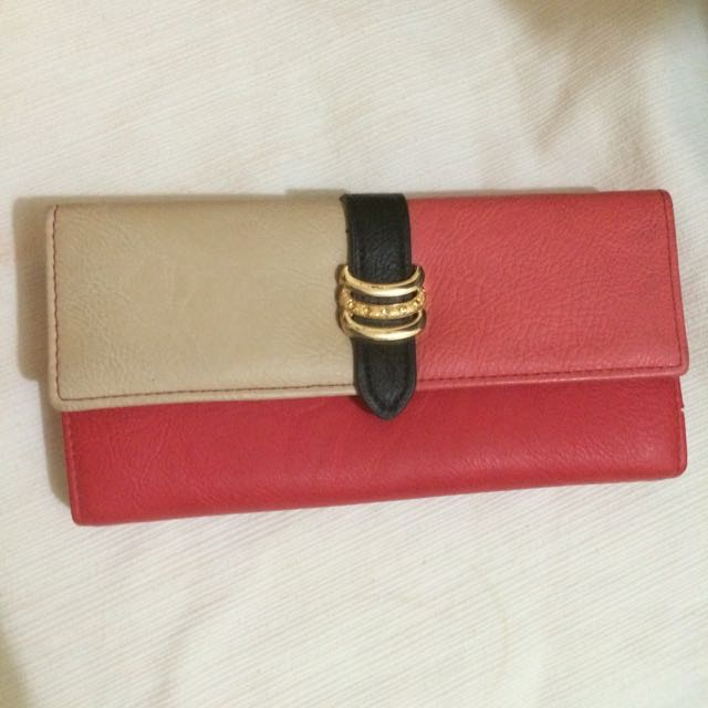 Red x White Pocket