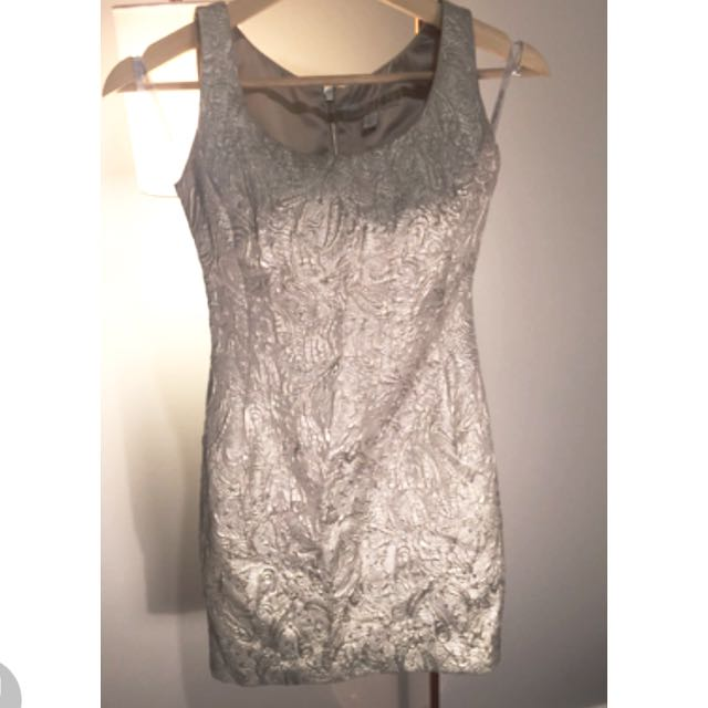 Size 6 Cocktail Dress Forever New