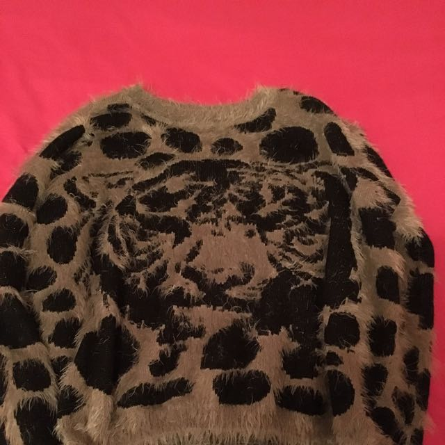Size Small Hardly Worn Soft Fur Knit