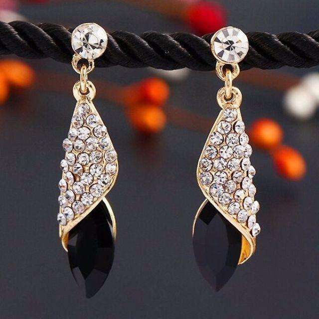 Water drop Crystal Earrings