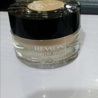 Revlon color whipped Foundation Shade 220