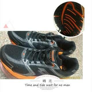 ™男鞋 運動 登山 工作鞋 防滑大底