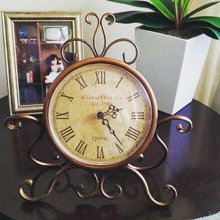 AD02-049 Collector's Edition Silent Clock / Jam Meja Klasik Vintage
