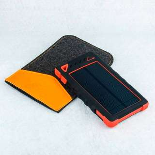I10000mAH 3-in-1 Solar Power Bank + Phone Charger (Black/Blue/Green)