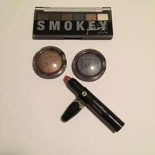 Eyeshadow And Lipstick Bundle
