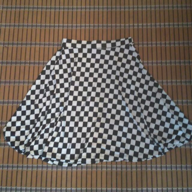 Preloved Black White Skirt