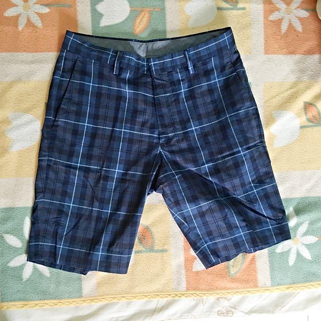Uniqlo 英倫風短褲