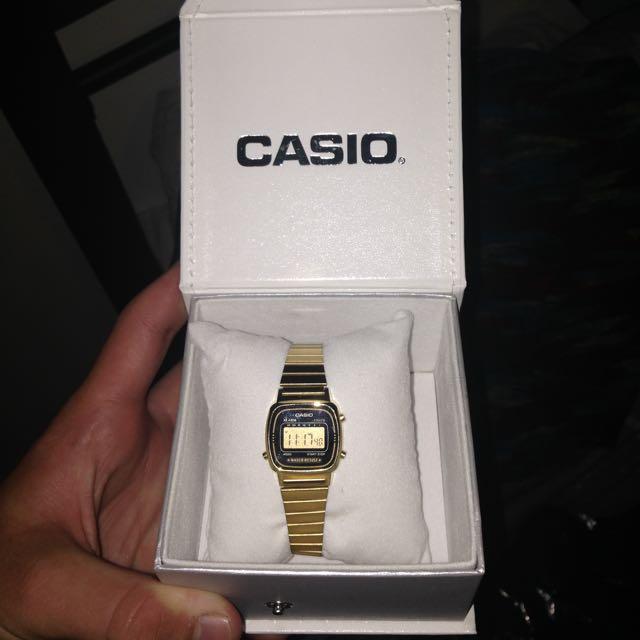 Vintage Casio Watch - Gold