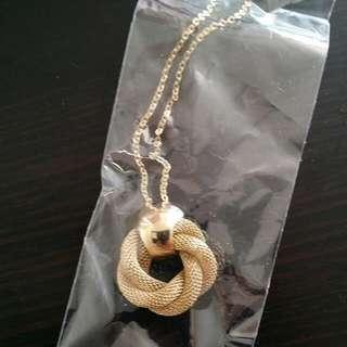 New fashion gold colour necklace