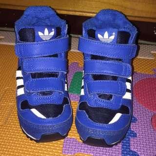 9成新 Adidas高筒童鞋UK5/JP135