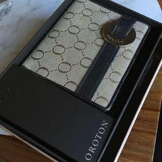 Oroton Signature Wallet