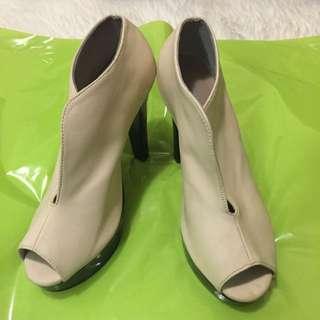 Classy Open-toe Shoes