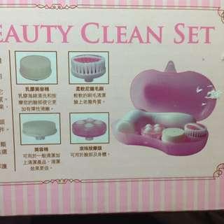 No:46 Hello Kitty 多功能深層潔膚儀