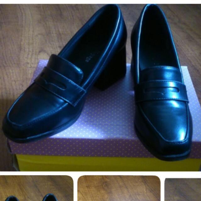 黑色 粗跟 牛津鞋 皮鞋