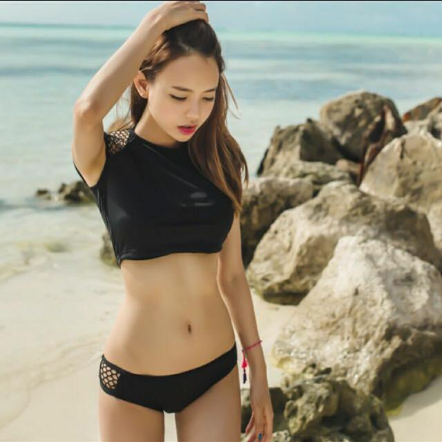 d06c19f9e7 Black Short Sleeve Bikini Size S