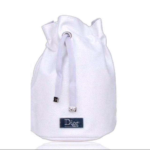 Dior 白色皮革水桶包
