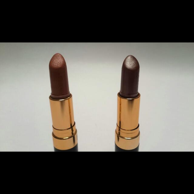 Lipstick Revlon